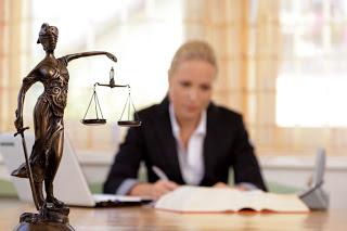 Адвокатски услуги – не чакайте времето да разреши спора