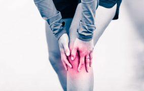 Защо не бива да пренебрегваме упоритите болки в ставите, и какво означават те
