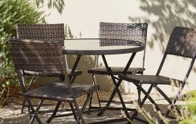 Мебели от ратан – емблема на луксозното дворно пространство