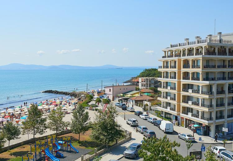 Защо почивката в луксозен хотел в Поморие си заслужава?