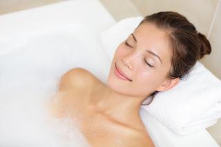 С каква температура трябва да е водата в банята?